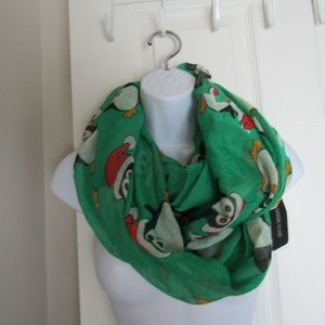Accessories - NWT Penguin Infinity Scarf Green/Black